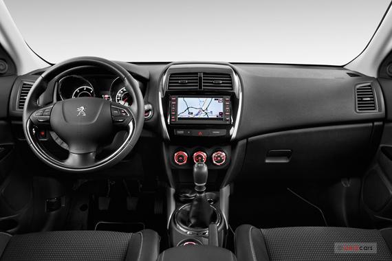 Vues peugeot 4008 suv ann e 2013 galerie virtuelle 3d avec for Peugeot 907 interieur
