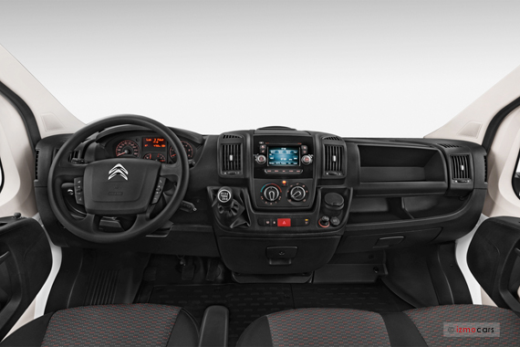 Vues citroen jumper van ann e 2015 galerie virtuelle 3d for Interieur jumpy