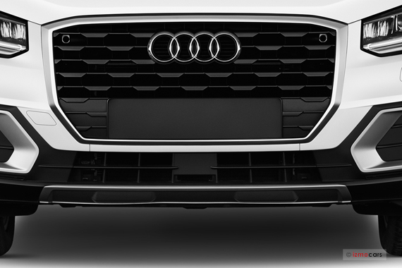 vues audi q2 suv ann e 2017 galerie virtuelle 3d avec metin. Black Bedroom Furniture Sets. Home Design Ideas