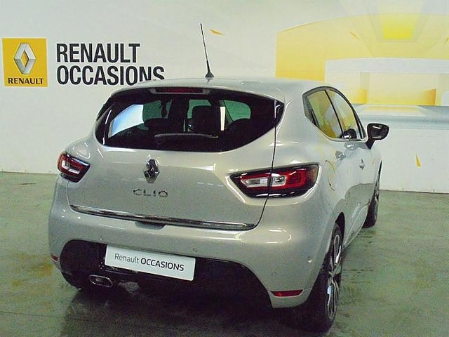 renault clio 1 2 tce 120ch energy initiale paris 5p occasion thonon les bains 17 990. Black Bedroom Furniture Sets. Home Design Ideas