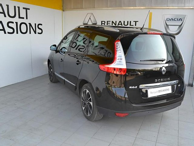 renault grand scenic 1 6 dci 130ch energy bose euro6 7 places 2015 occasion st omer 21 390. Black Bedroom Furniture Sets. Home Design Ideas