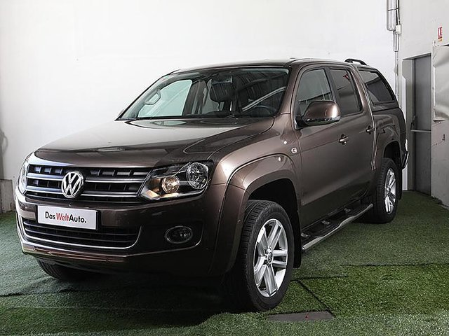 volkswagen amarok 2 0 bitdi 180ch highline 4motion permanente bva occasion nantes 34 990. Black Bedroom Furniture Sets. Home Design Ideas