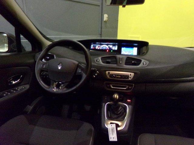 Occasion renault grand scenic brie comte robert 77 16017 for Garage renault brie comte robert voiture occasion